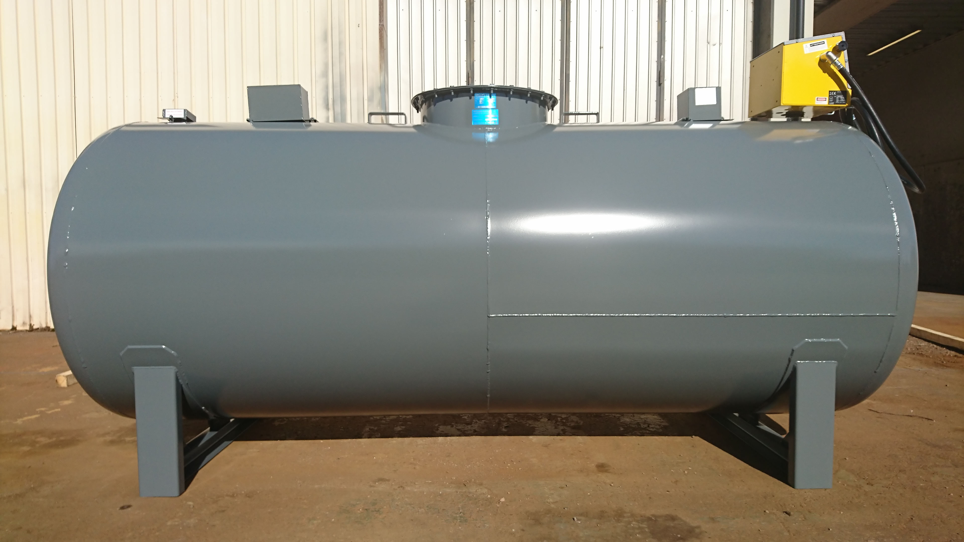 Oljetank Farmartank 3000L
